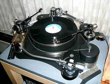 Quad-Armed Turntables