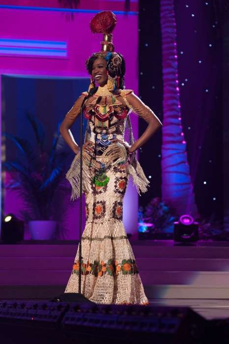 Crocheted Cleopatra Costumes - The Miss Universe Angola Contestant Wows With an Opulent Outfit