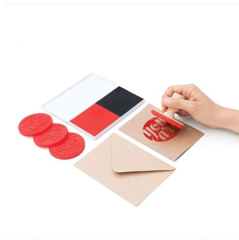 Customizable Card Kits - This Greeting Card Kit Lets You Put Your Own Stamp on Heartfelt Messages