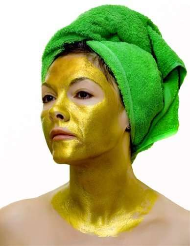 Powdered Gold Facial Treatments - This Luxurious 24K Gold Face Mask is for Anti-Aging Purposes