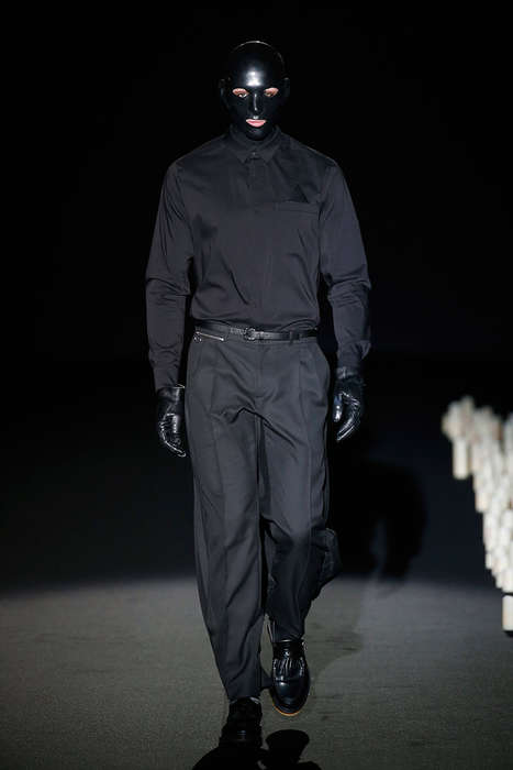Masked Goth Runways - The Latest David Delfín Collection Highlights Dramatic Fashion for Men