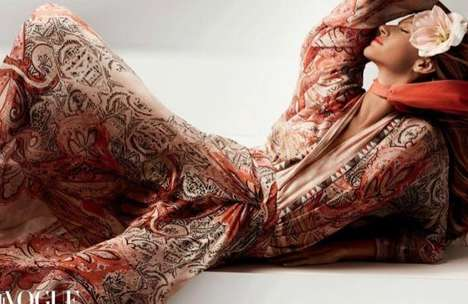 Bohemian Goddess Editorials - Vogue China Has Super Model Gisele Bündchen Looking Beyond Boho-Chic