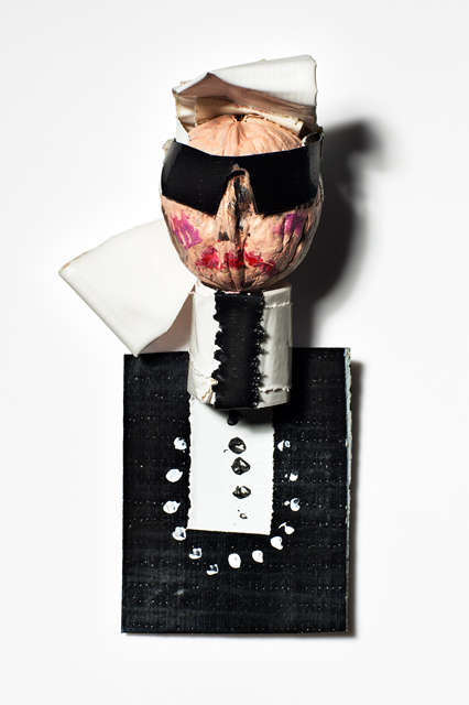 Fashion Icon Walnut Dolls - 'Fashion is Nuts' Recreates Fashion's Elite Using Walnuts