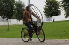 The LeafxPro Bicycle Umbrella Keeps Cyclists Dry