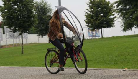 Bicycle Umbrellas - The LeafxPro Bicycle Umbrella Keeps Cyclists Dry