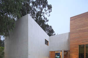 House H by AOZ Creates Privacy without Compromising Stellar Views