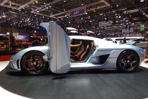 The Koenigsegg Regera Can Hit 250 MPH in Just 20 Seconds