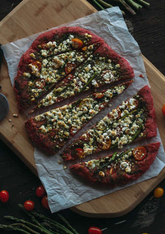 Purple Pizza Recipes - This Healthy Beetroot Recipe From Fork to Belly Features a Dark Red Crust