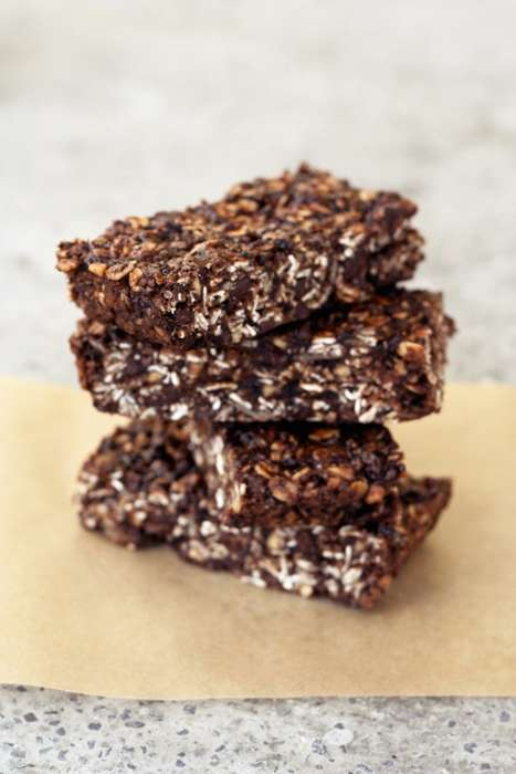 Homemade Energizing Snacks - This Energy Bar Recipe is Vegan, Gluten-Free and Refined Sugar-Free