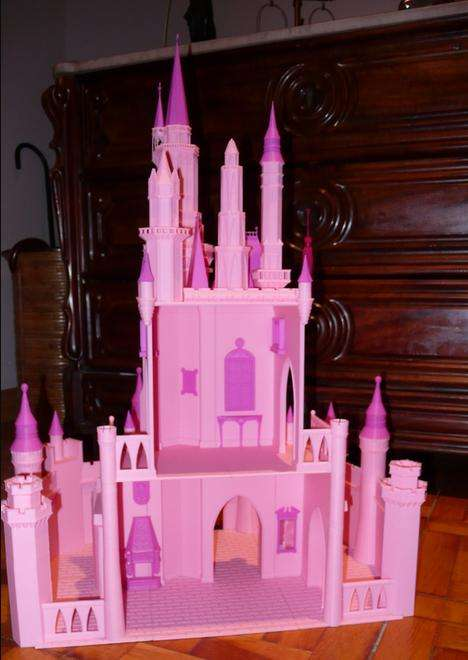 3D-Printed Castle Toys - Engineer Mariano Gros Baneres Recreates Elsa's Frozen Castle