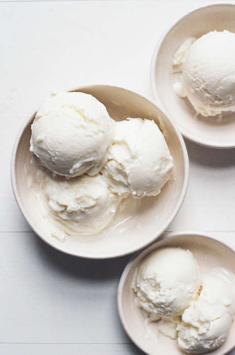 Cheesy Ice Creams - This Ricotta Gelato Recipe is Topped with Chopped Almonds and White Chocolate