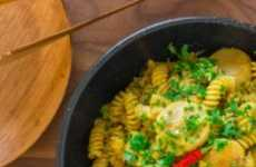 Seafood Curry Pasta - This Curry Scallop Pasta is Full of Exotic Eastern Flavors