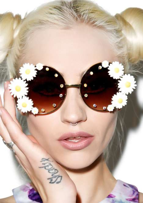Floral Festival Shades - These Daisy Sunglasses from Dolls Kill are Perfect for Concert Wear