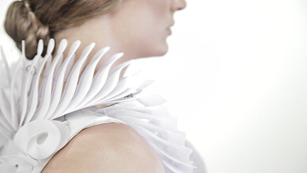 Tech-Assisted Responsive Apparel