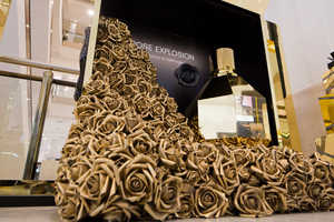 The Flowerbomb Rose Explosion is a Perfect Perfume Retail Display