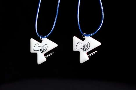 Kids' Programmable Pendants - Linkitz are Wearable Hi-Tech Puzzle Pieces That Respond to Commands