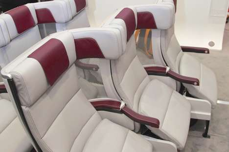 Staggered Airplane Seating - Cozy Suite by Thompson Aero Seating Makes Booking Middle Seats Better