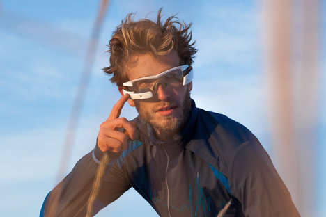 Sporty Smart Goggles - The Jet HUD is a Pair of High-Tech Performance Goggles