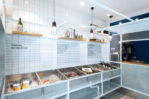 This Seafood Shop in Shanghai Boasts Intricate Design Details