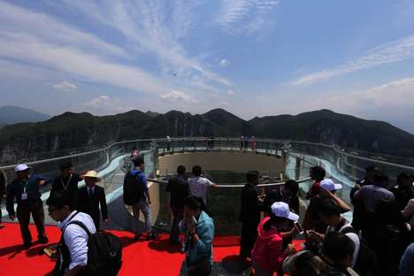 Heartstopping Chinese Skywalks - This Cantilevered Glass Skywalk Offers Breathtaking Views