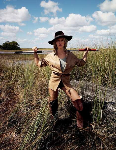 Swanky Swamp Editorials - The Elle Italia L'Avventuriera Photoshoot Depicts Watery Scenes