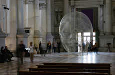 Light-Catching Mesh Sculptures