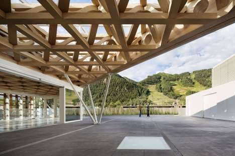 Transparent Mountainside Museums - The Aspen Art Museum Boasts a Stunning Timber Facade