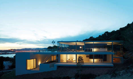 See-Through Houses - Architecture Firm AABE Designed a Residence with Stunning Views of the Sea