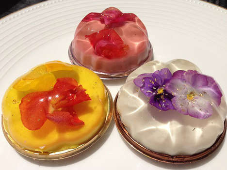 Botanical Jello Desserts - Japan's Hottest Treat is a Floating Flower Dessert Made of Gelatin