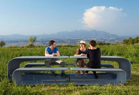 Collapsible Communal Tables - Escofet's GRASSHOPPER Range Boasts a Communal Table and Bench Hybrid