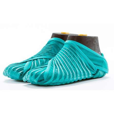 Wrap-Around Footwear - 'Vibram' Created This Perfect-Fitting Shoe Called 'Furoshik'