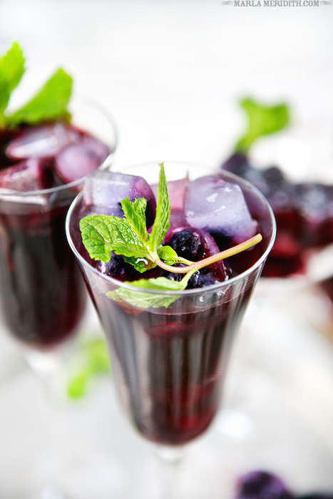 Blueberry Ginger Refreshments - This Blueberry Iced Tea Recipe Comes with Fun and Fruity Ice Cubes