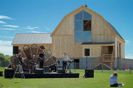 Destination Farmer's Markets - The OK Friday Barn Fair is Accompanied by Live Music Performances