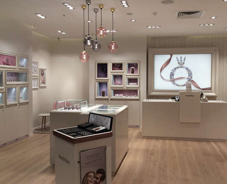 Open-Concept Jewelry Shops