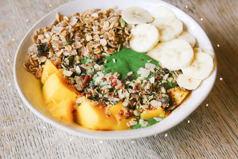Green Smoothie Breakfasts - This Nutritious and Delicious Smoothie Bowl Recipe is Also Easy to Make