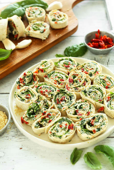 No-Bake Savory Pinwheel Snacks - These Sun-Dried Tomato Pinwheels are a Heat-Free Summer Appatizer