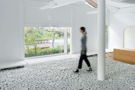 Ceramic Cup Flooring - These Stacked Ceramic Platforms Highlight Maruhiro's Tableware