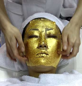 15 Gold Beauty Treatments - From $130,000 Nail Polish to Gilded Facials