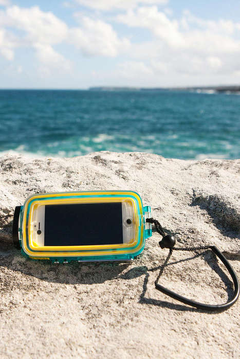 Waterproof Smartphone Accessories - The Watershot SPLASH iPhone Camera Case Prevents Liquid Damage