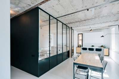 Carefully Contrasted Apartments - This Black and White Apartment Will Appeal Minimalist Design Fans