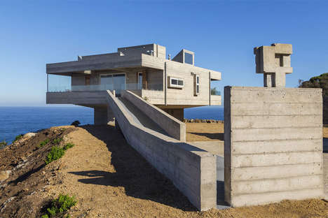 Elevated Mountainside Homes - This Elevated Home in Chile Has Breathtaking Views in All Directions