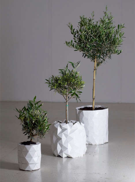 Extendable Plant Holders - This Expandable Plant Pot Eliminates Replanting and is Origami-Inspired