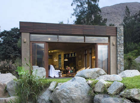 Natural Mountainside Homes - This Sustainable Resource Home Blends with Natural Surroundings