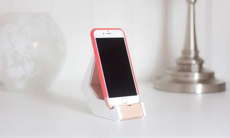 Multi-Dimensional Phone Stands - 'TILT' Lets You View Your Phone from Multiple Angles