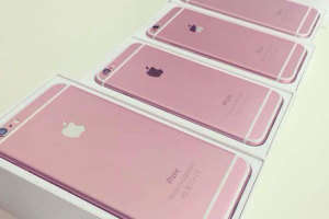 Conceptual Pink Smartphones - These Leaked Images Showcase the iPhone 6s Design in a New Rosy Color