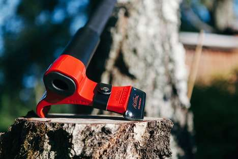 Finnish Smart Axes - The Leveraxe is a Safer, Easier Way to Split Wood