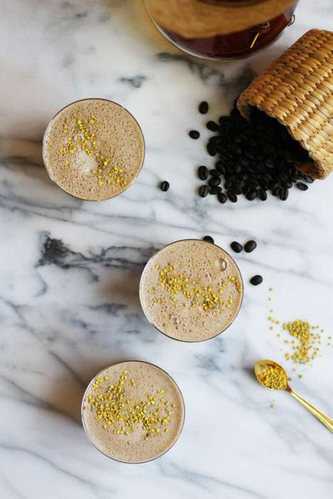 Vegan Coffee Smoothies - Honestly YUM's Organic Smoothie is Free From Dairy Additives