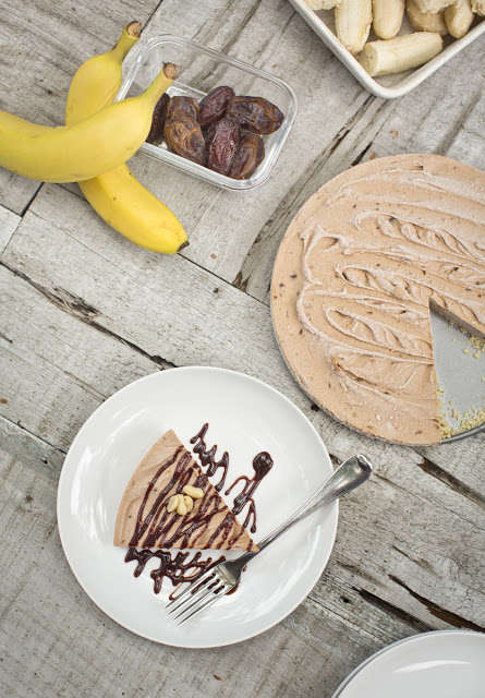 Healthy Peanut Butter Pies - This Naturally Sweetened Pie Dessert is a Nutritious Treat