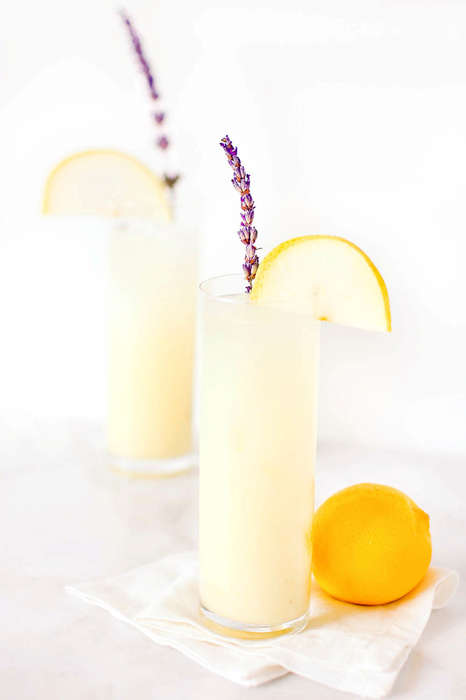 Lavender Pear Cocktails - This Lemonade Cocktail Recipe is a Delicious Way to Beat the Hot Weather