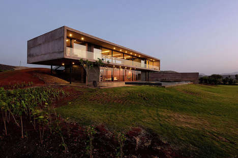 Panoramic Minimalist Houses - This House is Designed to Provide Absolutely Breathtaking Views